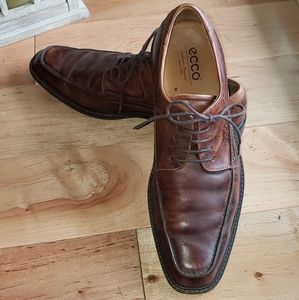Handsome Men's Ecco Brown Leather Oxford Shoes
